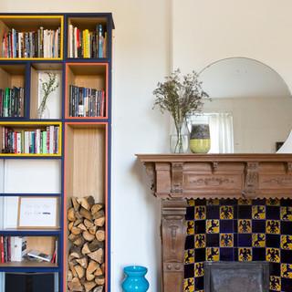 Détails cheminée/bibliothèque du séjour