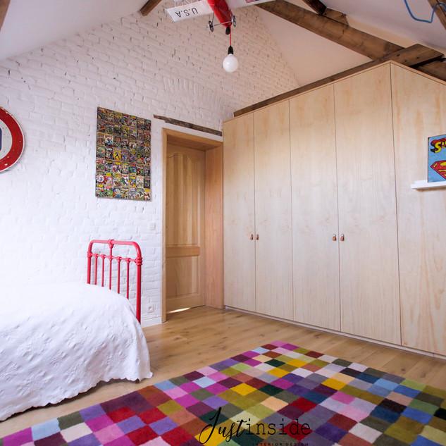 Children's room with custom storage