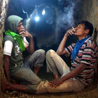 men smoke tunnel.png