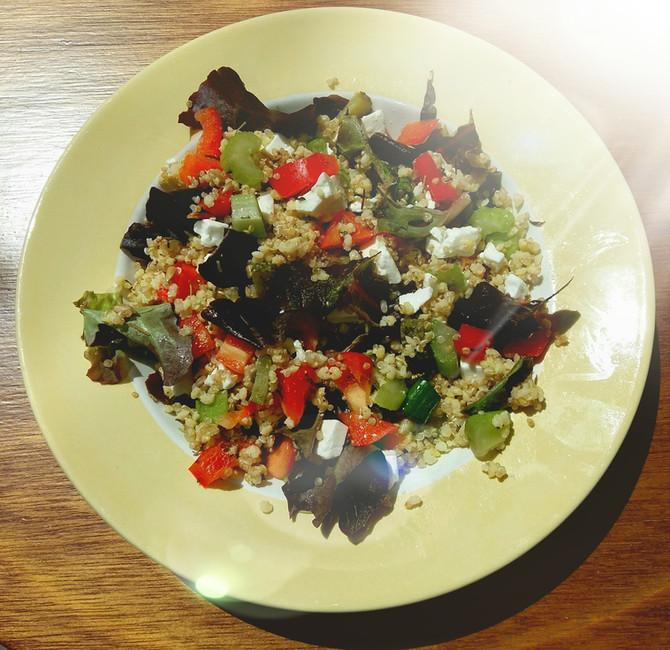 Quinoasalade voor beginners - probeer het ook!