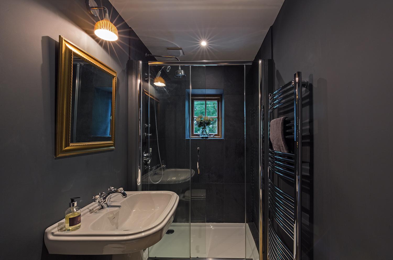 nkc_CoachmansCottage_Bathroom02