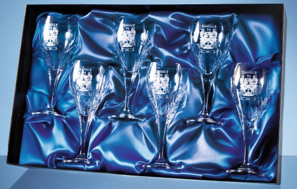 Universal 6 Wine Glasses Satin Lined Presentation