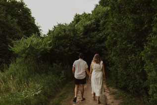 Outdoor Summer Couples Session at the Guelph Arboretum