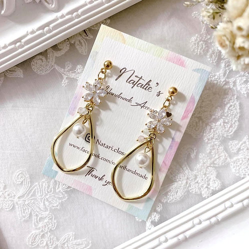 Natari Closet 自家設計純白花高貴款耳飾