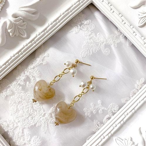 Natari Closet 自家設計啡咖愛心小珍珠耳飾