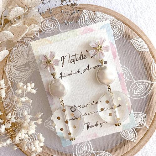 Natari Closet 自家設計淡粉紅花耳釘拼透明波點珠耳飾