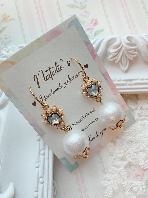 Natari Closet 自家設計公主風藍閃石愛心耳飾