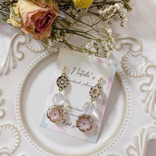 Natari Closet 自家設計粉紫花型捷克珠民族風耳飾