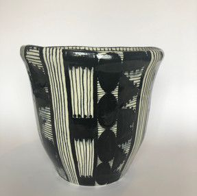 Pot of Wisdom - Black and White