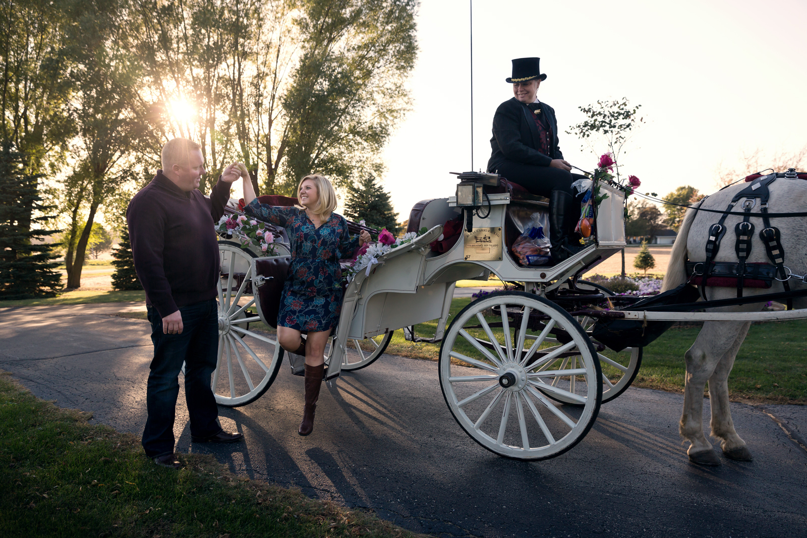 Twinbliss_Photography_Chicago_Weddings_Engagements_Illinois_horse_Carriage