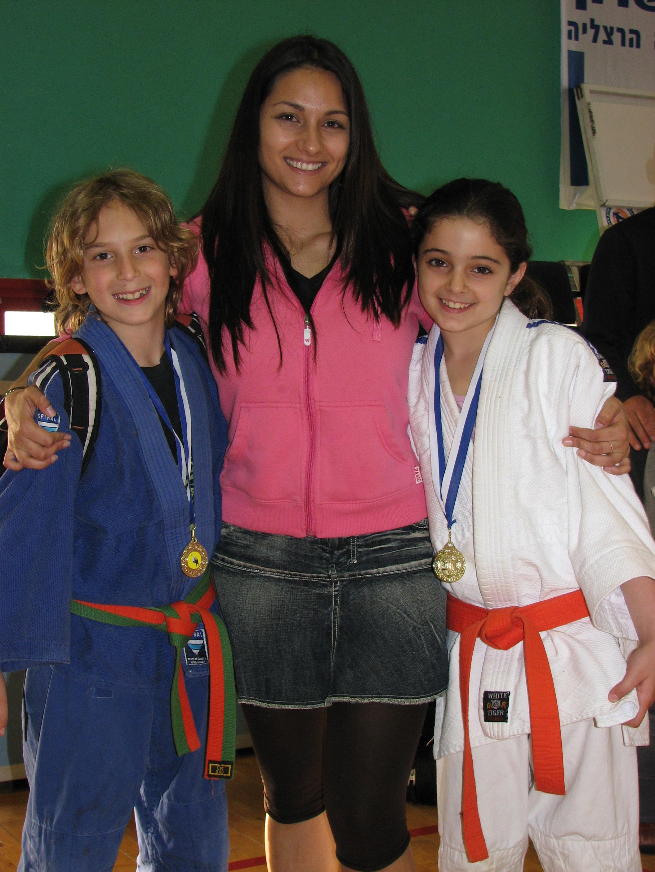 גפן, רחלי ורתם אליפות מכבי - פבר' 2009