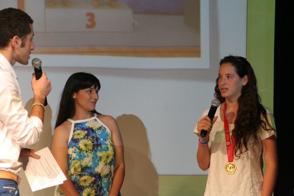 אורן ורחלי על הבמה באירוע ביאות וספורט
