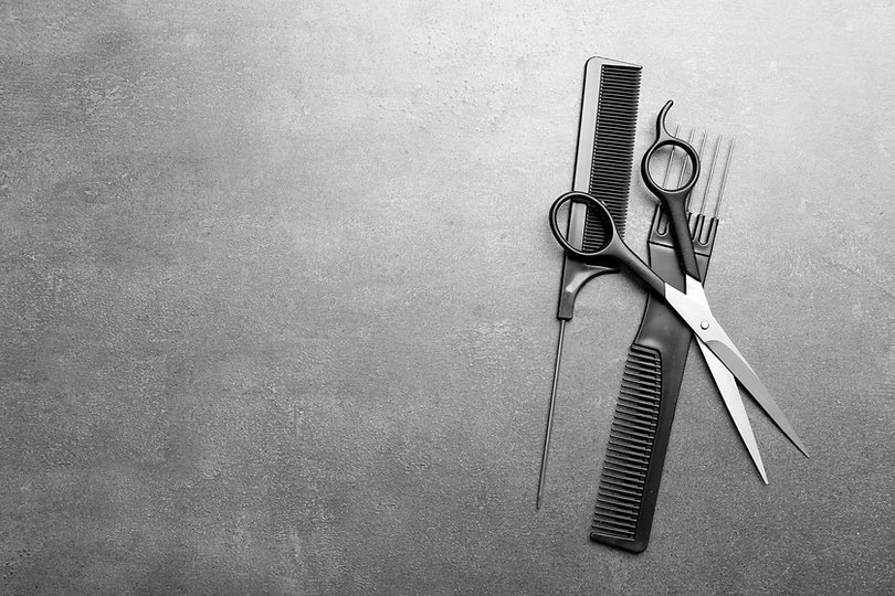 Barber set with two combs and scissors o