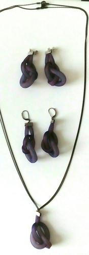 Resilia boucles d'oreilles et collier