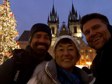 PRAGUE CHRISTMAS MARKET!!