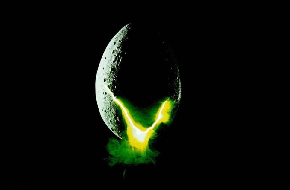 kinopoisk.ru-Alien-463331--o--.jpg