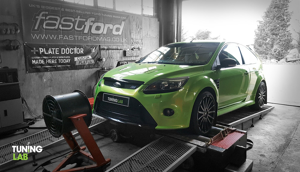 Green Ford Focus RS on the dyno at Tuning Lab