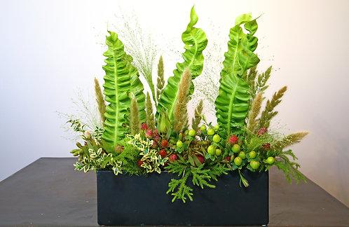 Unique Blumen Style in Ceramic Tray