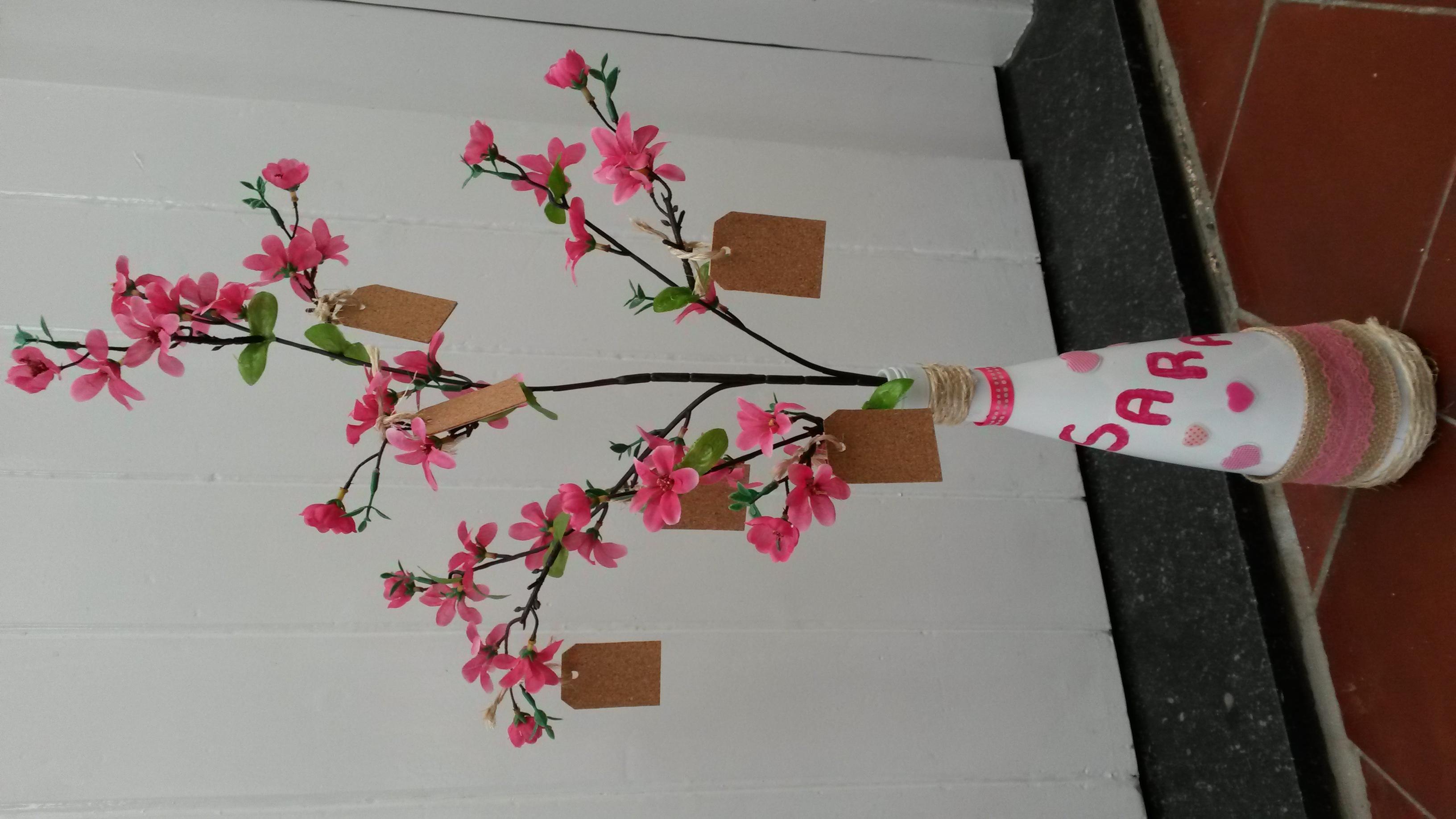 Vaas met bloementak