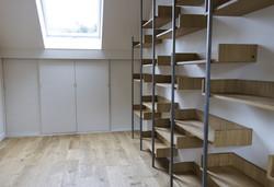 Bibliothèque sur-mesure & Bureau sous combles