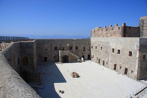 il mastio del castello aragonese