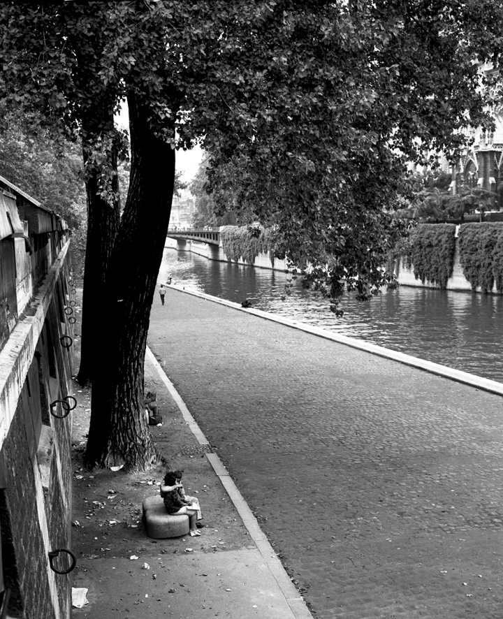 Seine B&W Quay .jpg