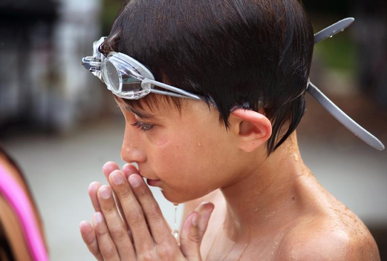 Matthew Aspen Pool 1 Aug 2009