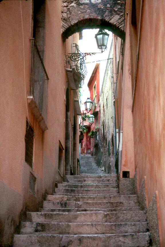 SICILY NARROW STREET W-STEPS.jpg