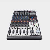 Mesa de áudio Behringer Xenyx X1204USB