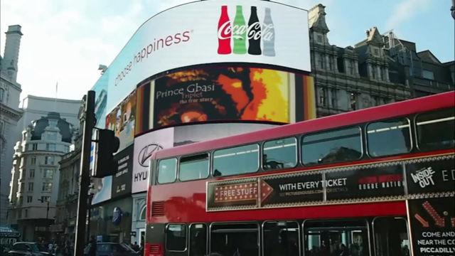 Yéé Prince-gbasí @ Piccadilly-Circus #LONDON