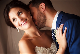 An award winning Australian wedding photographer who lives in the Dordogne and is highly sought-after throughout France