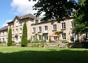 Beautiful Chateau wedding venue in Normandy with heated swimming pool. Sleeps 18, caters 50