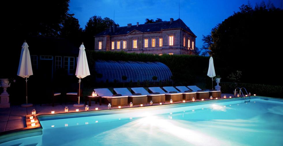 Luxury 19th century château venue- floodlit pool