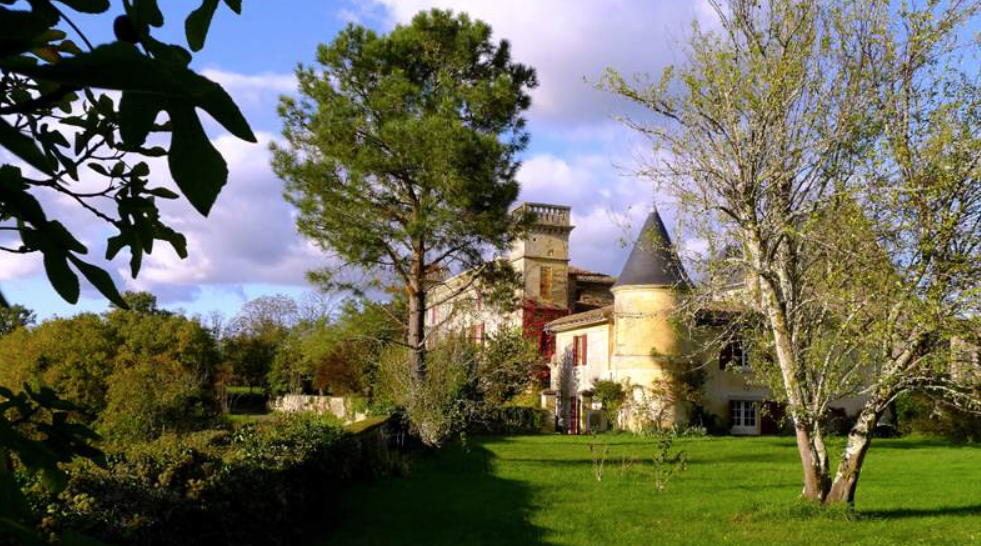 A beautiful medieval chateau near Bordeaux with chapel and pool. Sleeps 50 and caters for up to 110 guests