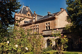 This enchanting village Chateau is a perfect location for an intimate wedding celebration with family and friends. Sleeps 12, caters for 50