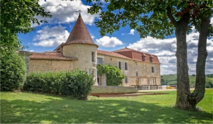 Beautiful chateau wedding venue with courtyard, party barn and swimming pool in the Charente. Sleeps up to 40, caters for up to 200