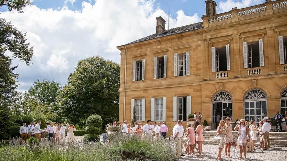 Luxury 19th century château venue - cocktail reception