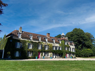 Beautiful, stylishly renovated castle in the Limousin with  swimming pool and two lakes. Sleeps 20, caters for 160