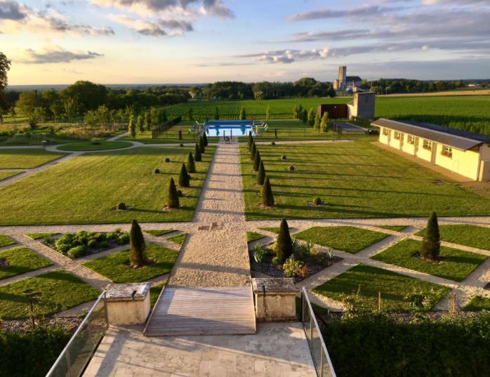 Beautiful Renaissance Chateau Wedding Venue in the Loire