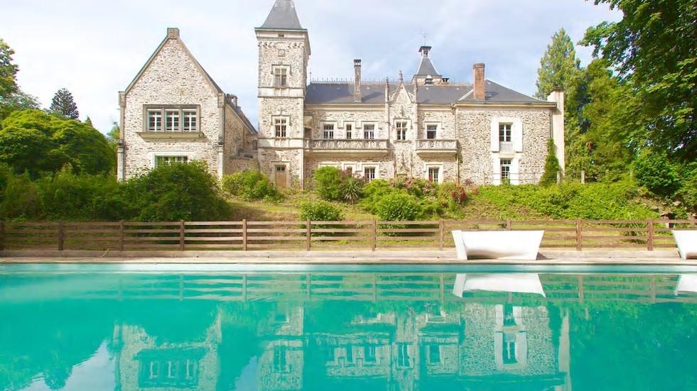 Luxury Chateau Wedding Venue in the Dordogne