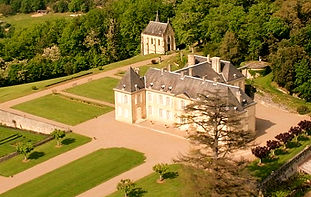 Stunning Château with spectacular views over the Dordogne. It has a charming chapel and heated swimming pool. Sleeps 60, caters for 150