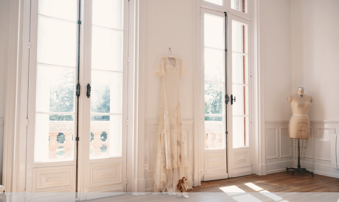Majestic 19th century château in the South-west - wedding gown