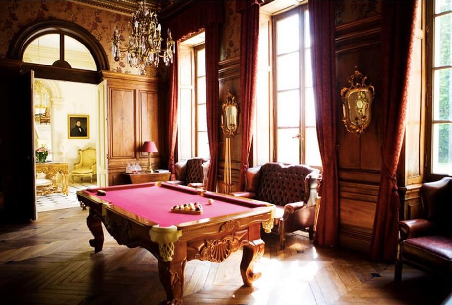 Luxury 19th century château venue - billiards