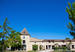 Charming old stone-built farmhouse - a relaxed, rustic wedding venue in the Dordogne with swimming pools. Sleeps up to 46, caters up to 80