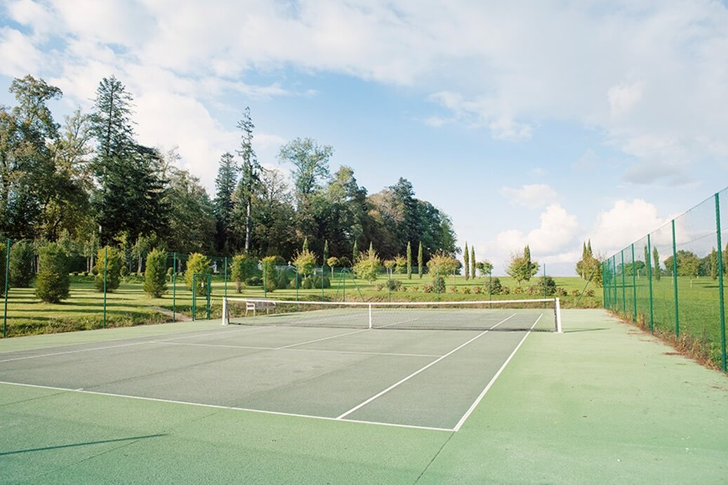 Luxury 19th century château venue - tennis court