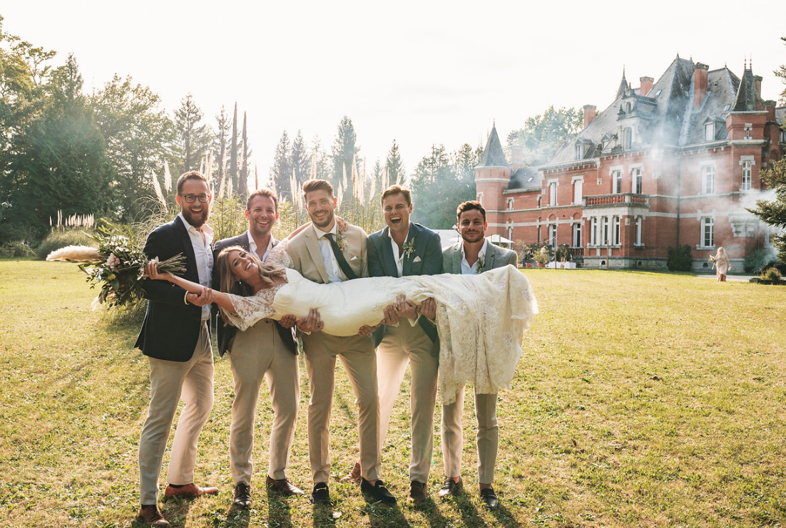 Majestic 19th century château in the South-west - fun bride