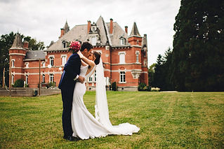Highly sought-after husband and wife team of wedding photographers based in the beautiful Midi-Pyrénées region of South-west France