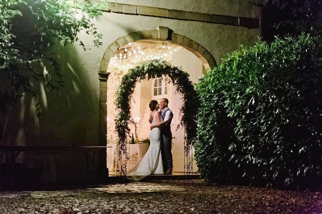 Luxury 19th century château venue - archway kiss