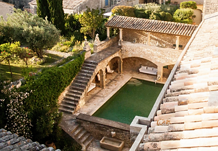 Magical wedding venue in Languedoc-Roussillon. Sleeps 33, caters for up to 160 guests