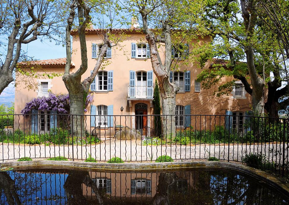 17th Century Mansion Wedding Venue in Provence